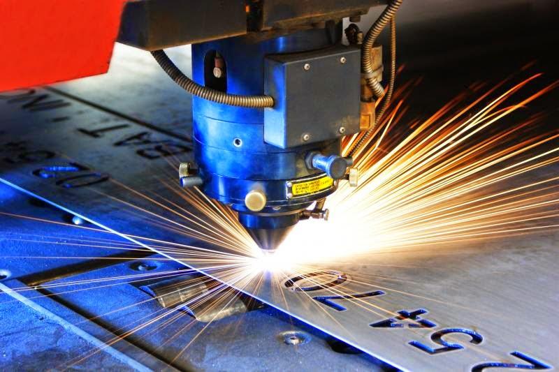 Nguyên lí làm việc của máy cắt kim loại bằng laser