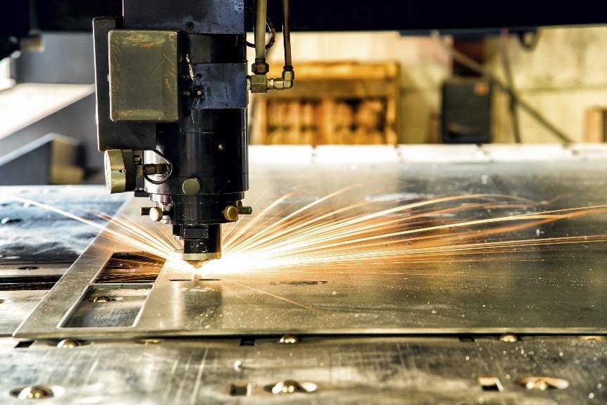 Những nguy hiểm khi gia công cắt kim loại bằng laser mà bạn cần biết