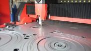 Gia công cắt laser trên vải và kim loại có gì khác nhau